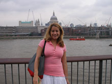 Photo of a woman in front of St. Pauls cathedral